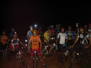 18 bikers no pedal noturno