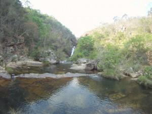 Cachoeira na Trilha Descida do Messias