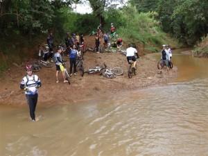 Passagem pelo riacho