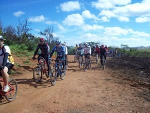 86 ciclistas participaram do Desafio Abraço a Patos