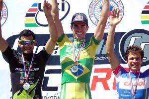 Os três brasileiros ocuparam os lugares mais altos no pódio.