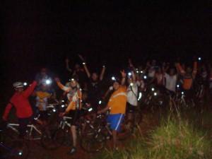 29 bikers em uma trilha cheia de surpresas