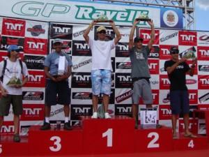 Silvinho Amorim recebendo a premiação