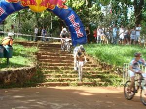 Esta escadaria foi um dos desafios a serem superados  no circuito de 700 metros