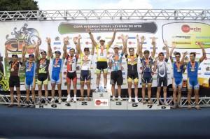 Premiação da Super Elite: Júnio Alves em décimo lugar - Foto: Jomane Casagrande - Y. Sports