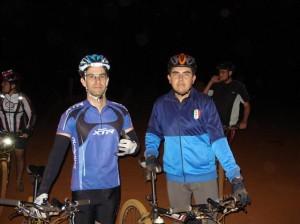 Faltaram o Markim Caxão e Gagame nesta foto. Eles que nunca faltam no Pedal Noturno